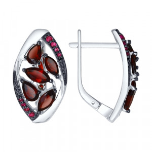 925 Sterling Silver pair earrings with cubic zirconia and garnet