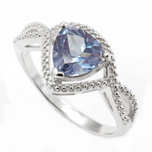 925 Sterling Silver women's ring with alexandrite
