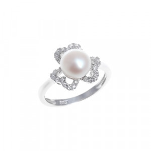 925 Sterling Silver women's ring with pearl cult.