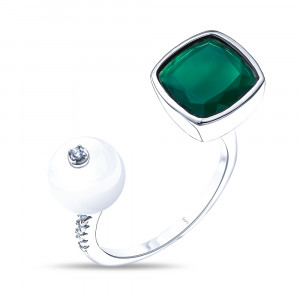 925 Sterling Silver women's rings with green agate and pearl cult.