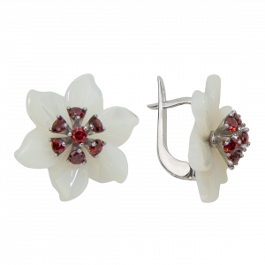 925 Sterling Silver pair earrings with mother of pearl and garnet